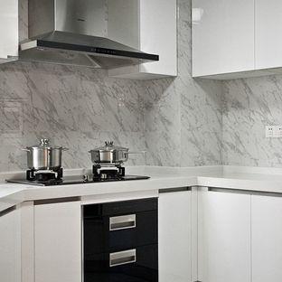 厨房里现代简约仿古砖铺设这么设计档次很高